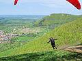 Gleitschirmflieger beim Starten am Albtrauf (3).jpg