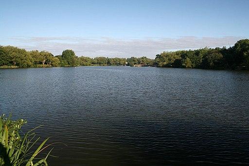 Goldsworth Park Lake - geograph.org.uk - 2019783