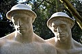 Grabmal Friedrich Eduard Behrens 1836-1920 und Anna Jasper 1846-1920, Stadtfriedhof Engesohde, Hannover, (Ausschnitt).jpg