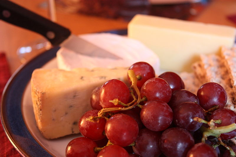 File:Grapes and Cheese, Downpatrick, July 2010 (02).JPG