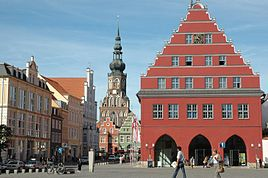 Town Hall (red) and Cathedral