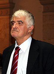 https://upload.wikimedia.org/wikipedia/commons/thumb/c/cf/HAZU_46_17_lipnja_2008.jpg/182px-HAZU_46_17_lipnja_2008.jpg