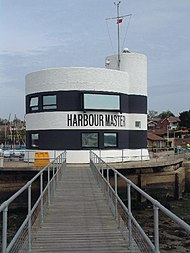 Harbour Master's Office, Hamble - geograph.org.uk - 25110.jpg