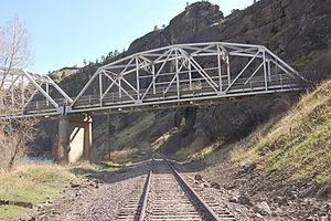 Hardy Bridge - Image: Hardy Bridge and BNSF railroad tracks looking NE Cascade County Montana US 2009