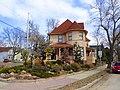 Harlow S. ^ Isabelle Ott Residence - panoramio.jpg