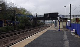 Harringay railway station MMB 28 313055 313XXX.jpg