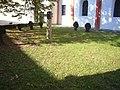 Heimersheim, St. Mauritius Grabkreuze (2).jpg
