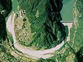 Hiraoka Dam and Hiraoka power station 1976.jpg