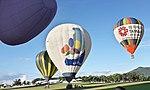 Hot air balloons in Luyeh.jpg