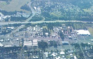 Washington State Route 516 - An aerial view of Des Moines and Kent looking east as SR 516 intersects SR 99 and I-5
