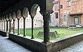 IL Chiostro Romanico (interno Cattedrale)-GMG 09.jpg