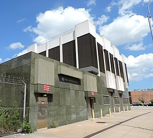 IND Queens Boulevard Line - 39th Avenue Ventilation Complex on Northern Boulevard