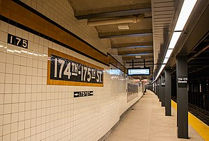 IND Concourse Line - East 174th - 175th Streets Station.jpg