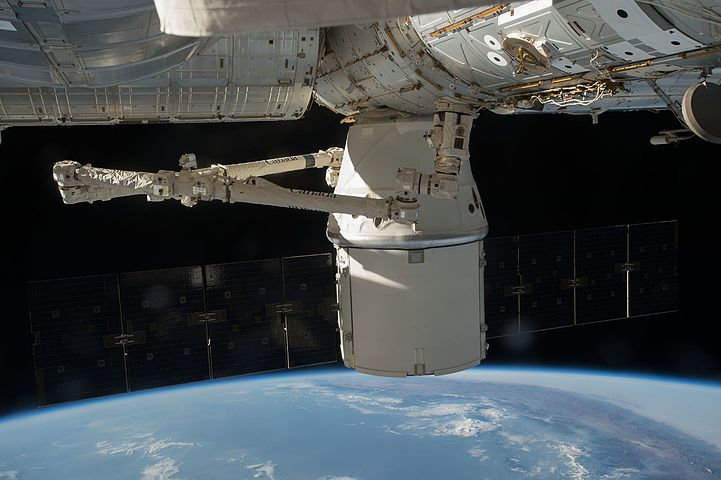 dragon spacecraft video - HD 1600×1065