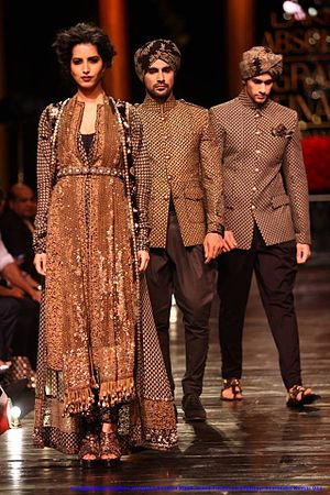 Sabyasachi Mukherjee - Image: In Sabya Sachi Couture at Lakme Fashion Week's Grand Finale, by Sou Boyy, Sourendra Kumar Das