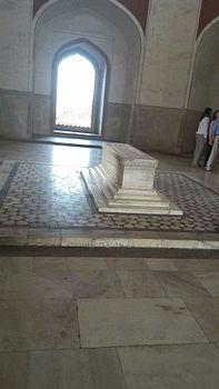 Inner view of Humayun's Tomb.jpg