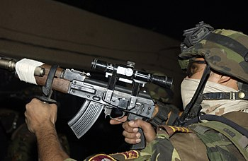 An Iraqi Army Soldier assigned to 3rd Battalio...