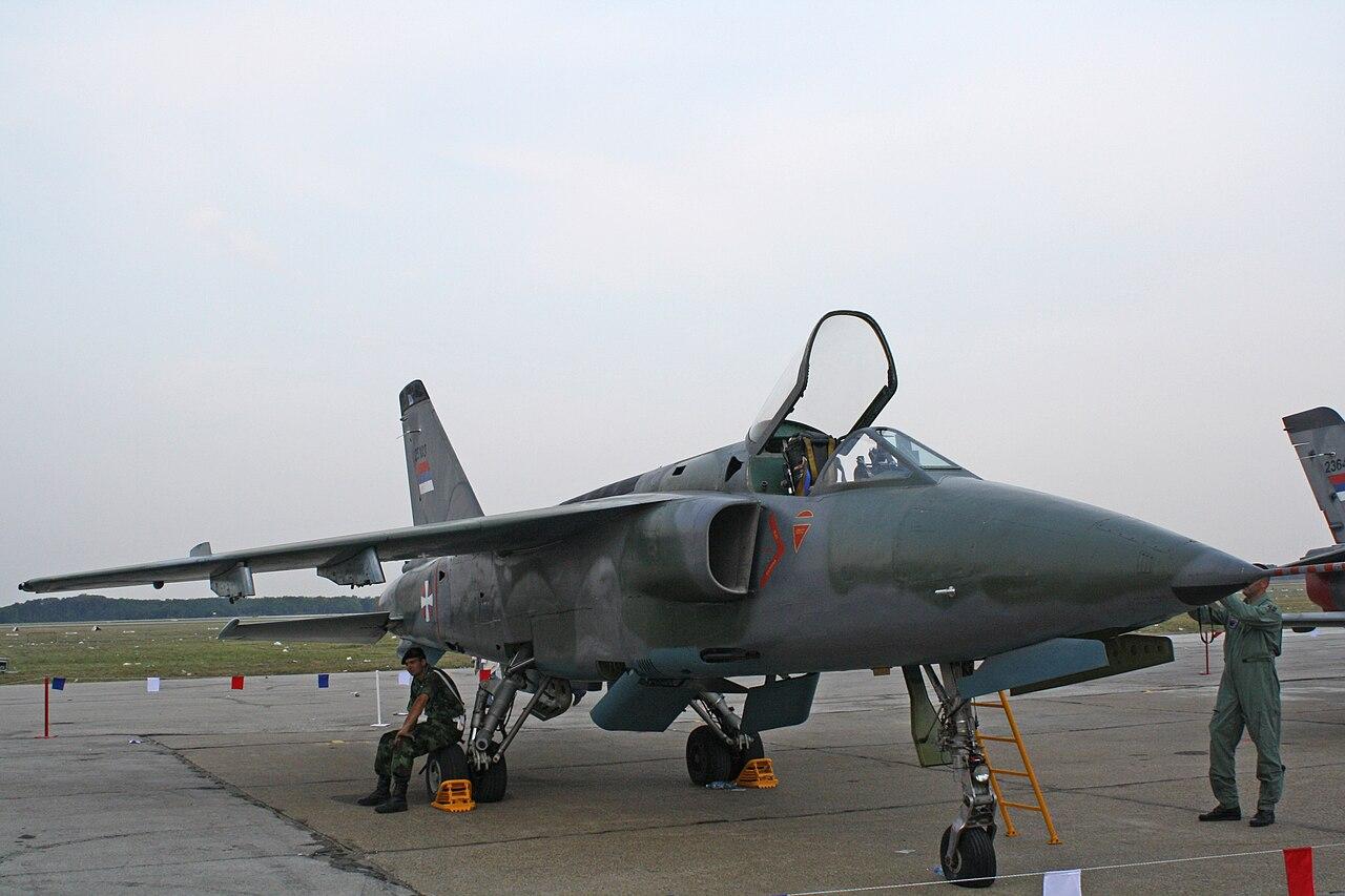 الوداع المؤجل - A-10 Thunderbolt II - صفحة 2 1280px-J-22_Orao_25103_V_i_PVO_VS%2C_september_13%2C_2009