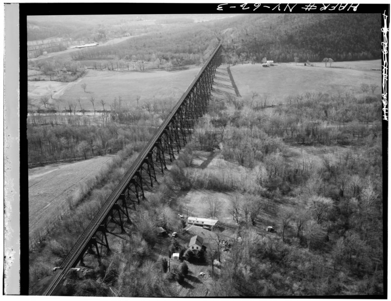File:Jack Boucher, photographer, April 1971. VIEW OF OTHER SIDE OF BRIDGE. - Erie Railway, Moodna Creek Viaduct, Moodna Creek, Orrs Mill Road, Salisbury Mills, Orange County, NY HAER NY,36-SALMI.V,1-3.tif