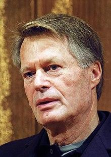 Ĵinzŝtof-Marie Gustave Le Clézi-gazetara konferenca Dec 06-a, 2008-2.jpg