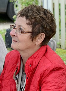 Description de l'image Jocelyne Saucier - Eden Mills Writers Festival - 2015 (DanH-6338) (cropped).jpg.
