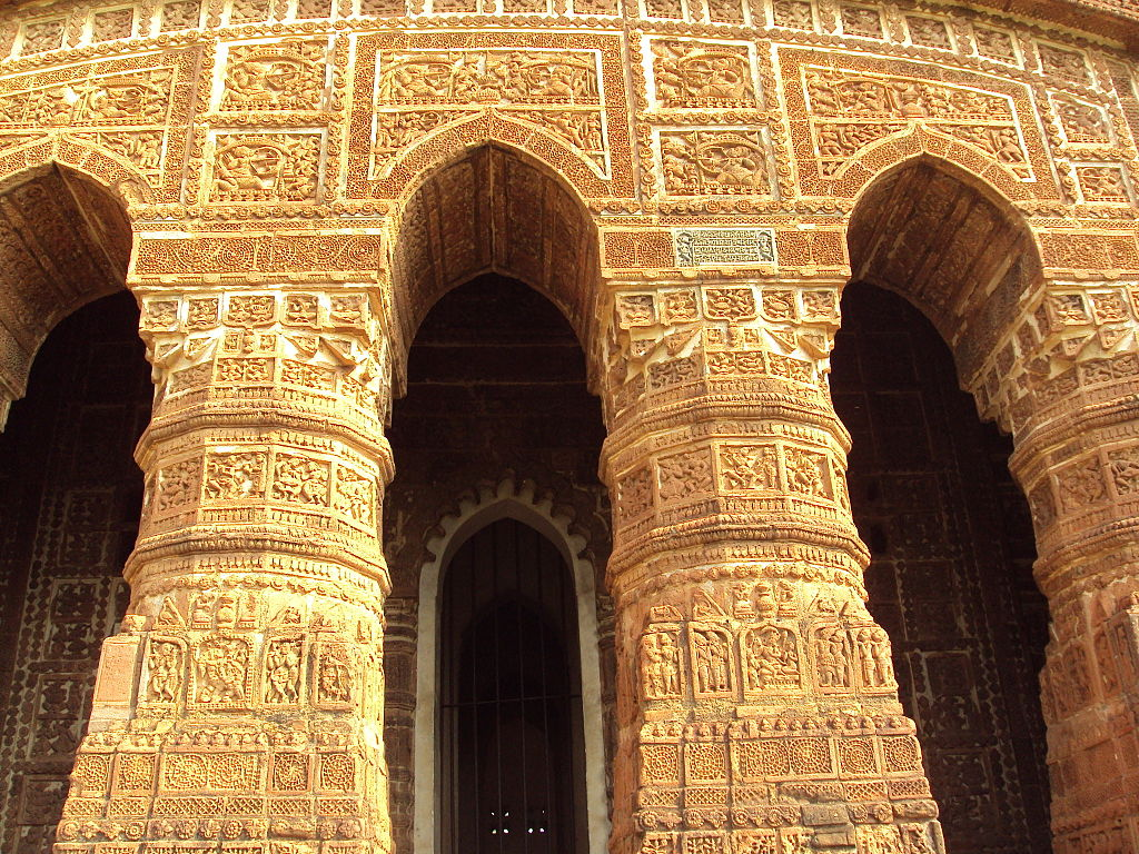Jor Bangla Temple Arches Bishnupur.JPG