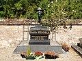 Jouy-FR-89-cimetière-02.jpg