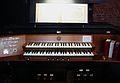 Köln-Rodenkirchen Erlöserkirche Orgel-Spieltisch.jpg