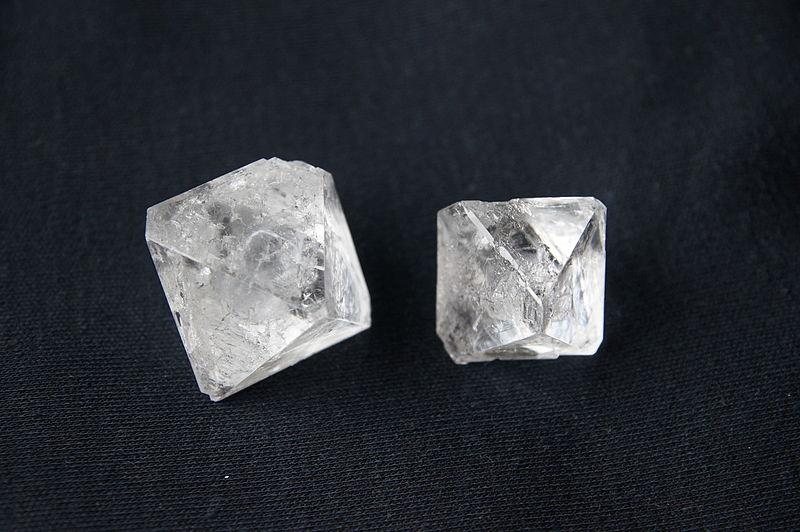Datei:Kaaliumi maarjase monikristallid2.JPG
