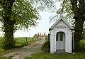 Kapel van 1870 met twee lindebomen - 375066 - onroerenderfgoed.jpg