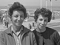 Katherina Renn en Simone Bartel (1961).jpg