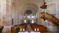 Katholische Pfarrkirche St. Franz Xaver 02 Thyrnau (Langhaus - Eingang).png