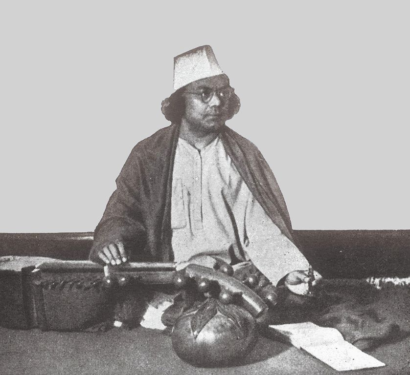 File:Kazi nazrul islam with Setar.jpg - Wikimedia Commons