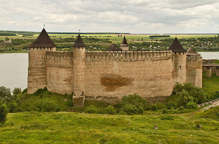 Khotyn Fortress on the Dniester River, present-day Ukraine, then bordering the northern frontier of the Moldavian Principality and southern Polish-Lithuanian Commonwealth Khotyn 3.jpg