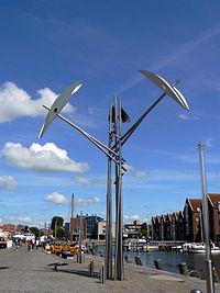 Kinetische Skulptur Husum2008.jpg