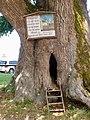Kirchham Schild an Tausendjähriger Linde.jpg