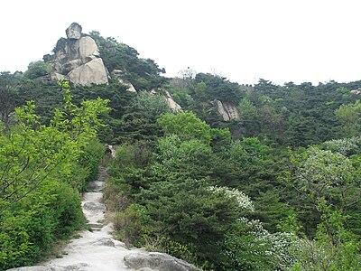 Korea-Seoul-Inwangsan-01.jpg