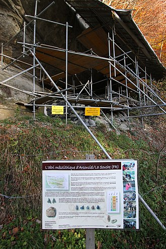 Arconciel - Image: La Souche Mesolithic Shelter Nov 2011