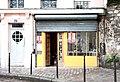 La boutique jaune, Rue des Cascades 2012-10-18 N2.jpg