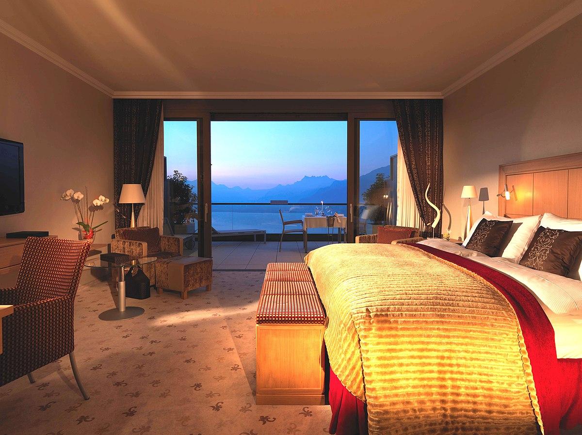 Junior Hotel Suite