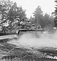 Legeroefening in Duitsland. Centuriontanks in opmars, Bestanddeelnr 913-0479.jpg