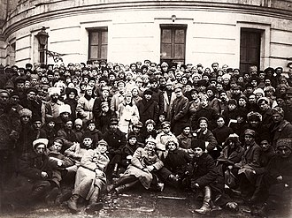 Military history of the Soviet Union - Members of the Red Army gather around Vladimir Lenin, Klim Voroshilov(behind Lenin) and Leon Trotsky in Petrograd.
