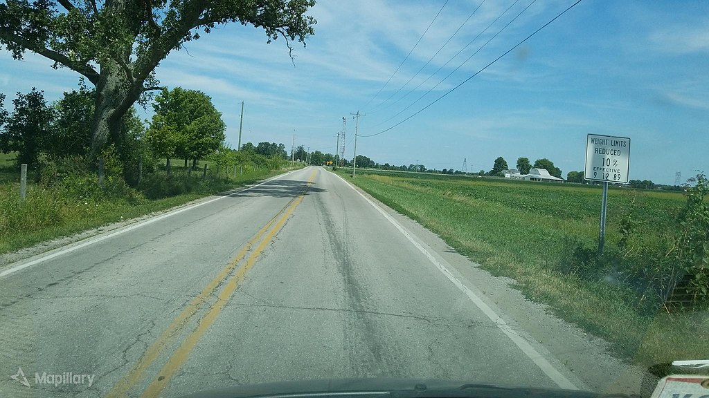 Lilly Chapel–Georgesville Road looking north from London–Lockbourne Road