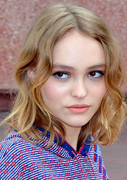Lily-Rose Depp Cannes 2016