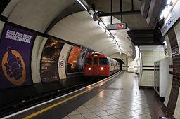 London 01 2013 Baker Street station 5355