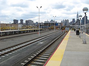 Long Island City (LIRR station) - Image: Long Island City station LIRR jeh