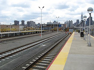 Long Island City station - Image: Long Island City station LIRR jeh