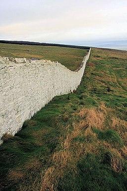 Loop Head lighthouse boundary wall - geograph.org.uk - 1088819