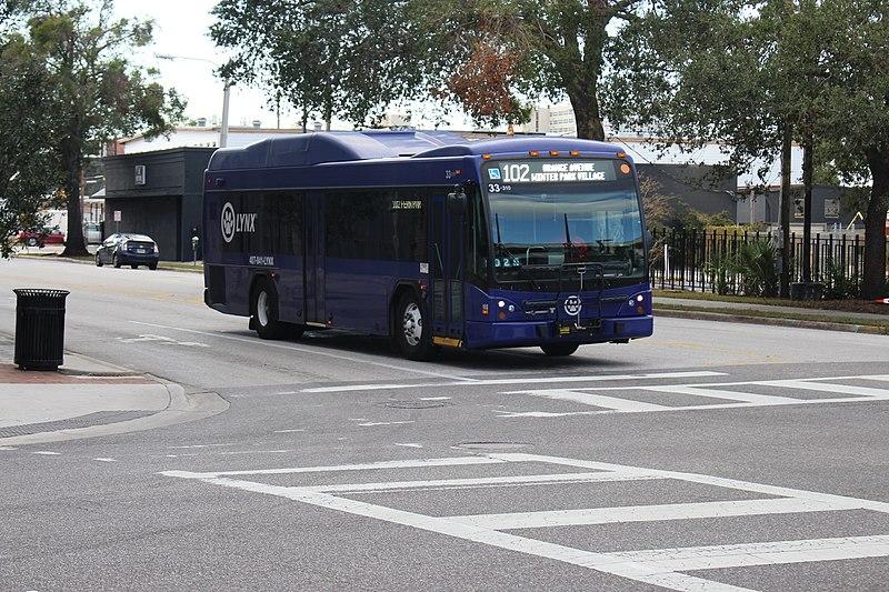 Como andar de ônibus em Orlando