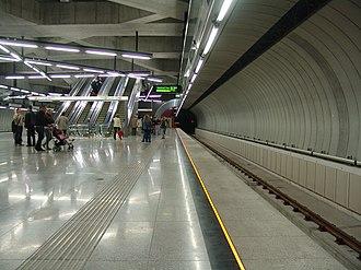 Fővám tér (Budapest Metro) - Image: M4 Fővám tér 1